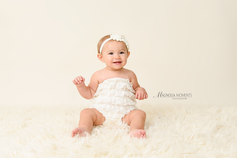 Lancaster baby photographer collegeville baby photographer first year baby portraits birthday cake smash
