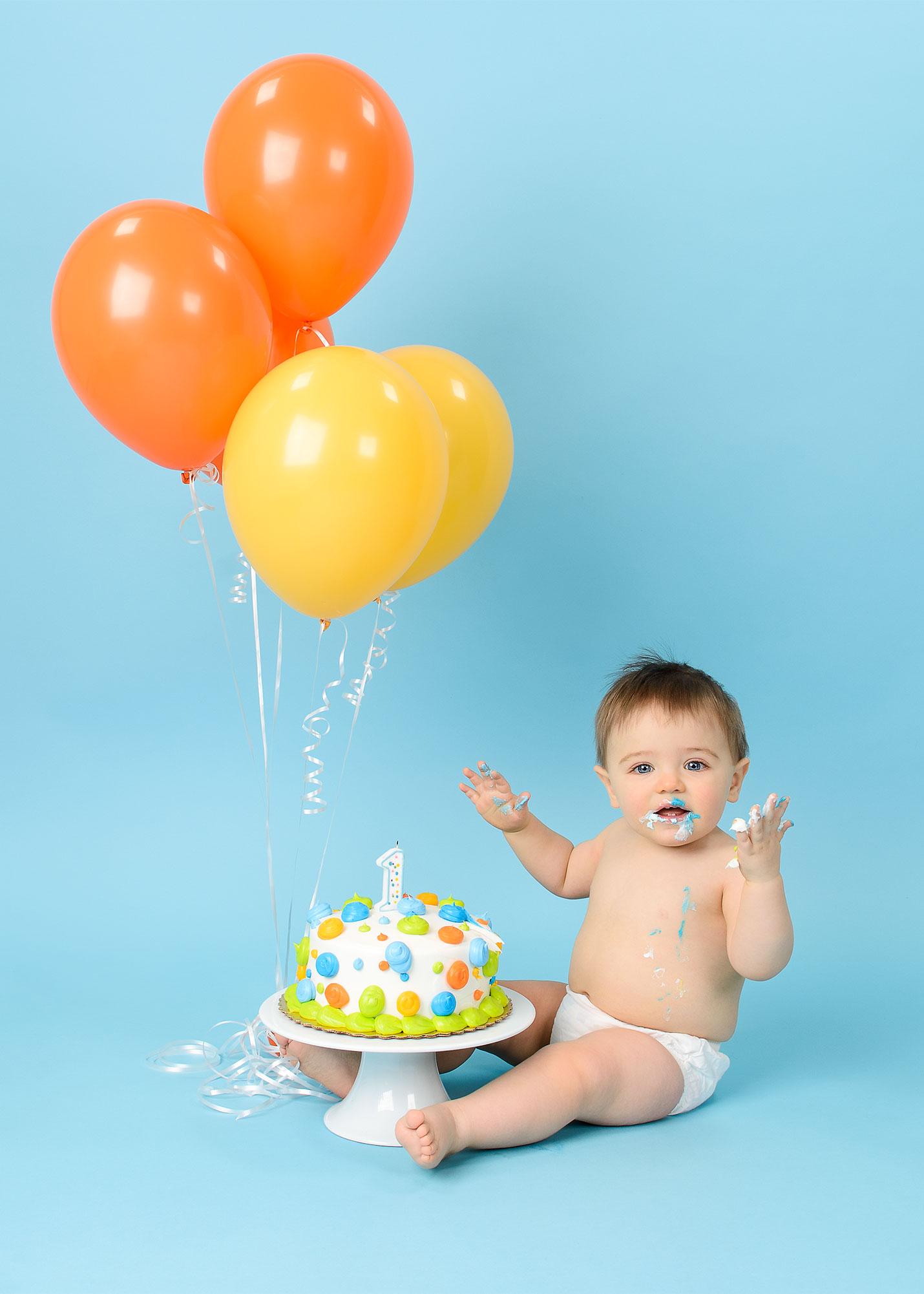 1st Birthday cake smash photogaphy near me by Evan Pollock