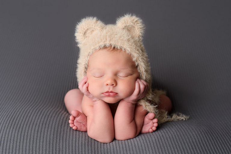 Maternity newborn baby child and family photography near me newborn baby in teddy bear hat on